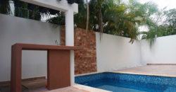 Casa de 2 Niveles con Alberca