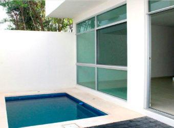 Exclusiva Casa en Venta en Residencial Arbolada Cancún Zona Segura con Alberca