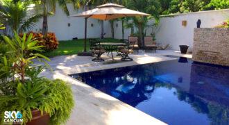 Moderna casa en venta en Residencial Campestre Cancún