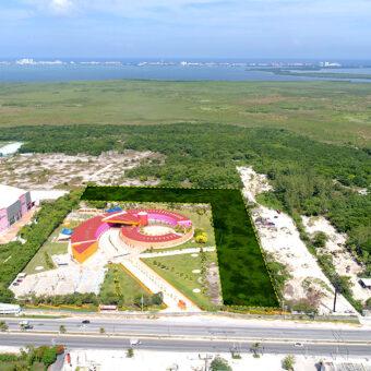 Macro Terreno en Renta sobre el Blvd. Colosio en Cancún