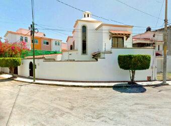 Hermosa Casa Estilo Colonia en Venta en la Supermanzana 18 en Cancún