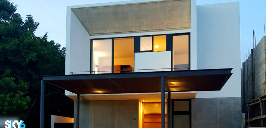 Moderna Casa en Venta en Cancún Residencial Aqua