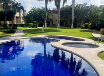 Hermosa Villa en Venta en el Residencial Huitzilini Cancún